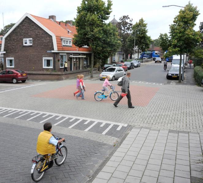 Kruispunten_als_pleintje - grote brugse grindweg Tiel