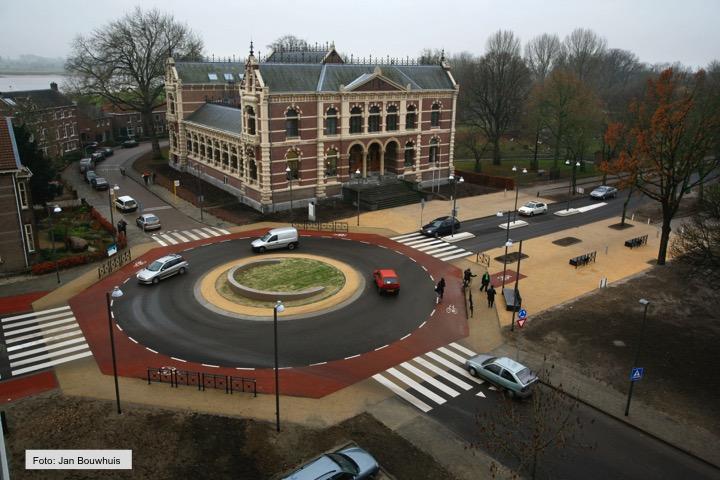 Rotonde_Rechtbankstr-NwTielseweg