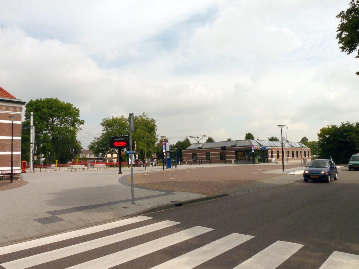 Begaanbaar_stationspleintje in Tiel